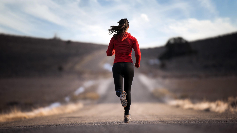 žena co běží