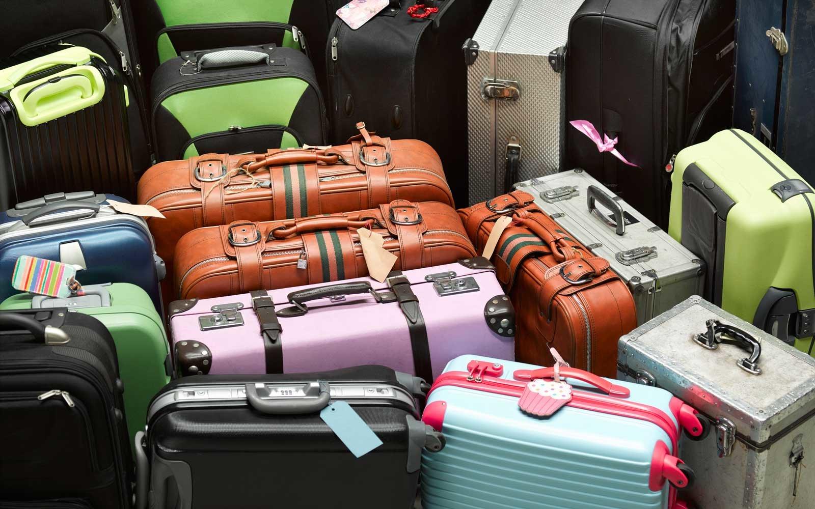 visačky na kufr